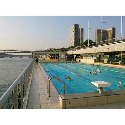 10 belles piscines municipales o nager toute l ann e for Piscine quartier latin