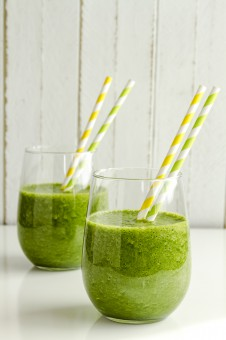 Green Spinach Kale Detox Smoothie